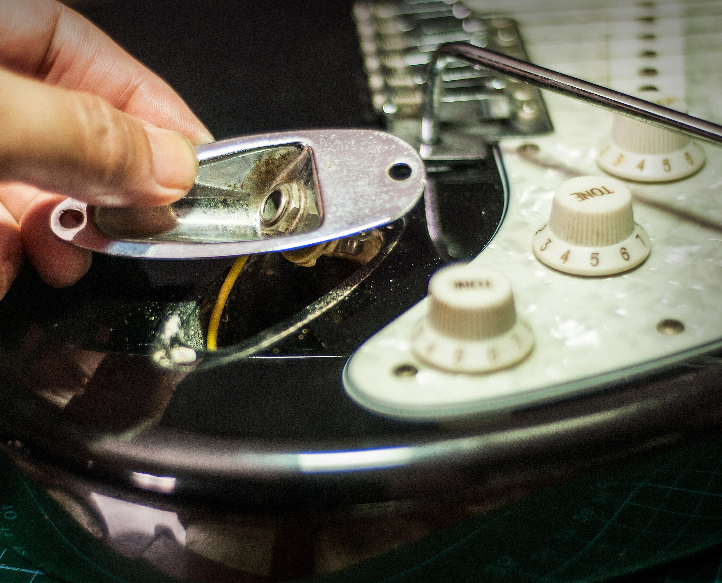 Replacing The Output Jack On An Electric Guitar