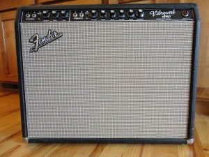 1024px-1964_Fender_Vibroverb