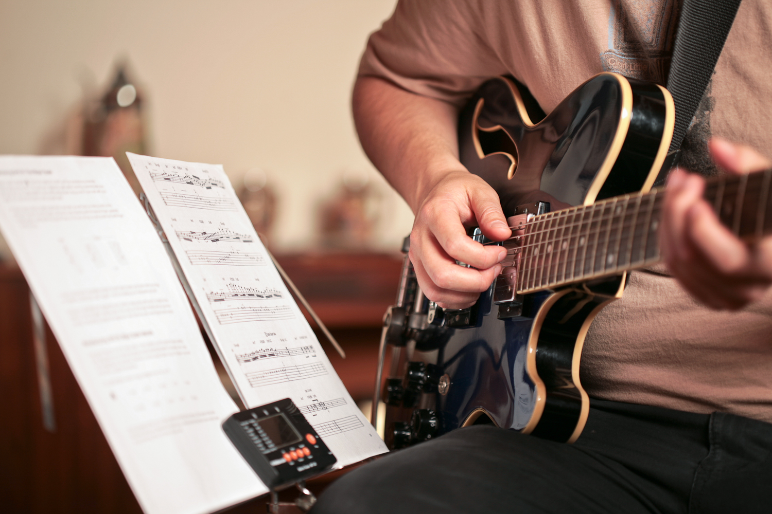 Learn Songs Faster On Guitar With These Quick Tips